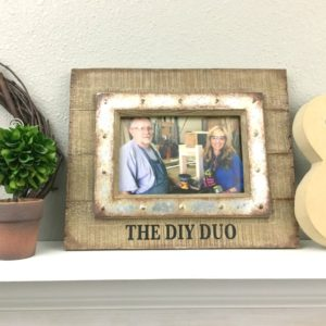 How to Easily Personalize a Picture Frame