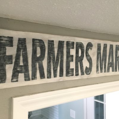 How to Easily Make a Farmhouse Kitchen Sign